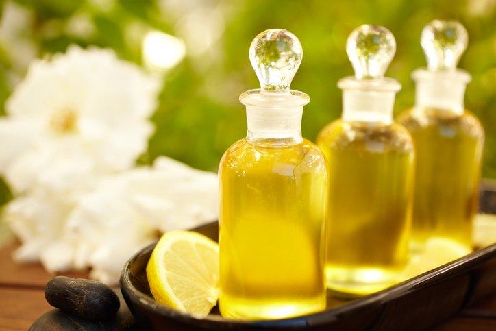 Quels sont les traitements naturels contre les taches brunes ?