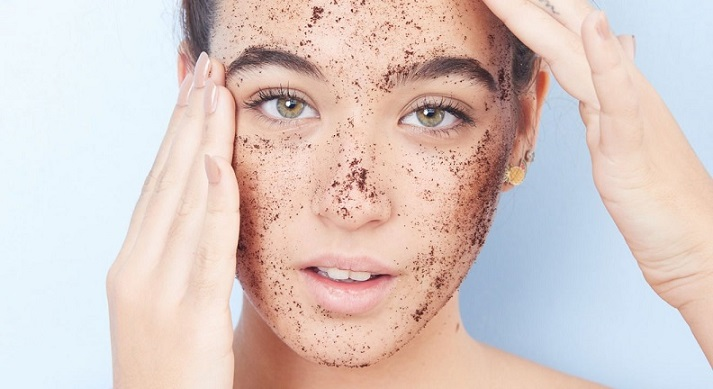 Pourquoi la France va-t-elle interdire les microbilles dans certains cosmétiques ?
